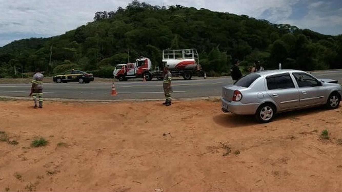 Duas crianças ficam feridas em acidente na BR-393