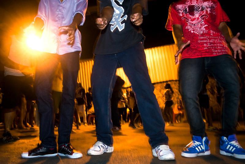 """Volta Redonda recebe o """"Baile Charme do Viaduto"""" no Centro"""