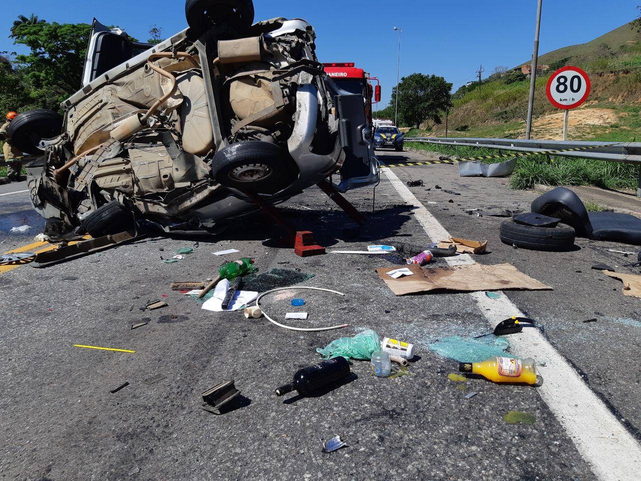 Polícia investiga causas de acidente que matou mulher na BR-393, em Vassouras