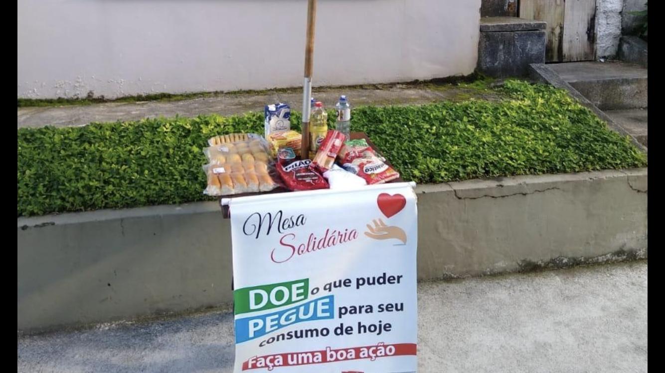 Corrente do bem: mesas solidárias ajudam a quem precisa em Angra