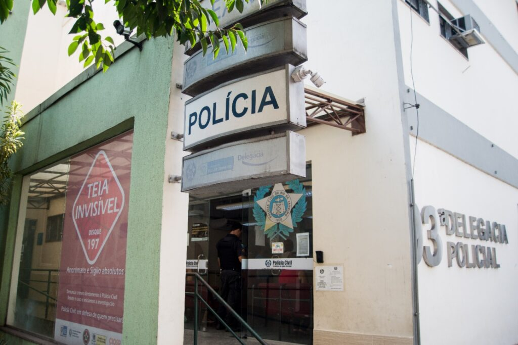 Suspeito de 18 anos é preso por tráfico de drogas em Volta Redonda