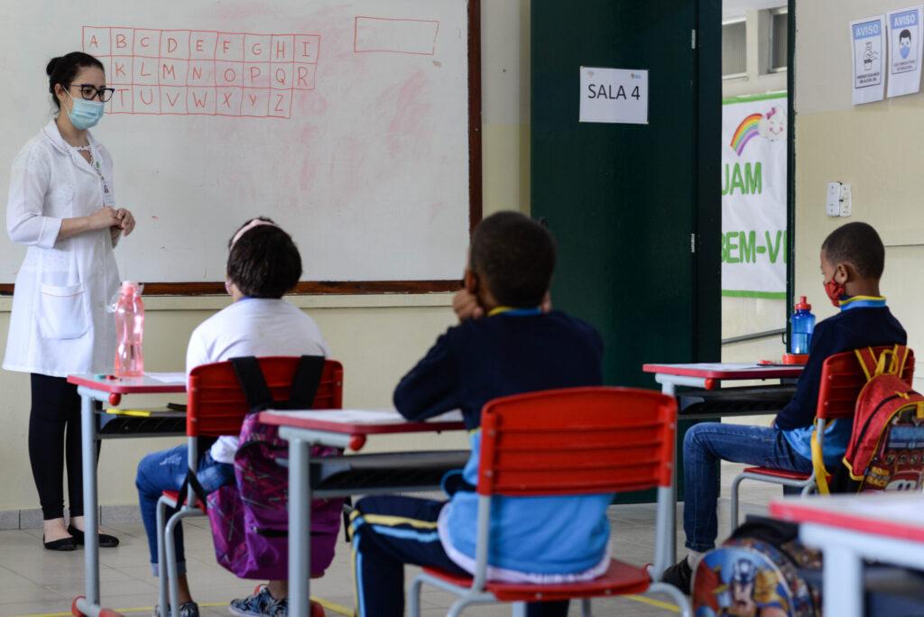 Aulas presenciais nas escolas municipais são retomadas na região