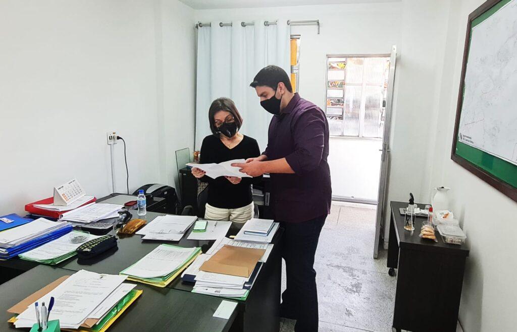 Renan Cury solicita ampliação do horário de vacinação