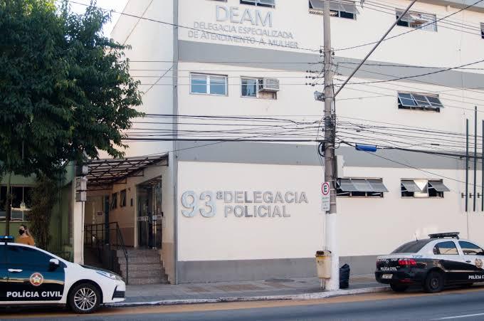 Após roubar refrigerante, mulher agride idoso em Volta Redonda - Tribuna  Sul Fluminense